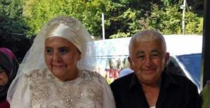 Bartın'da 50 yıllık evli çift, 70 yaşında düğün yaptı