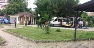 Bartın'da 2 minibüs alev alev yandı