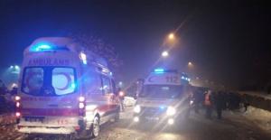 Bartın'da Yolcu otobüsü buzlu devrildi: 3 ölü 5 yaralı