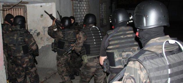 200 Polisle Şafak Baskını: 11 Gözaltı