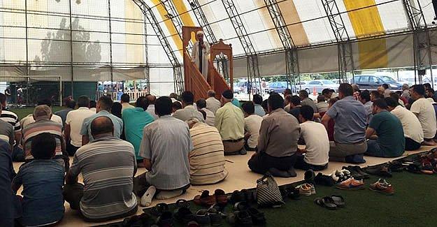 Halı Saha Camiye Dönüştü