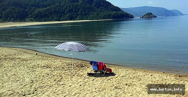Mugada Sahilinde Temizlik Seferberliği