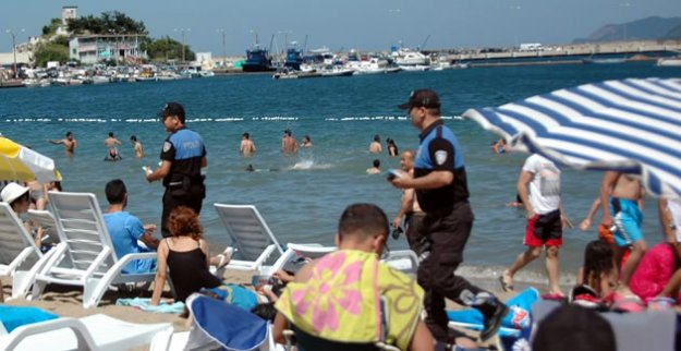 Polisten Tatilcilere Uyarı