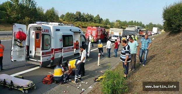 TEM Otoyolu'nda Kaza: 2 Ölü, 2 Yaralı