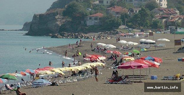 Batı Karadenizde Plajlar Kısmen Boşaldı