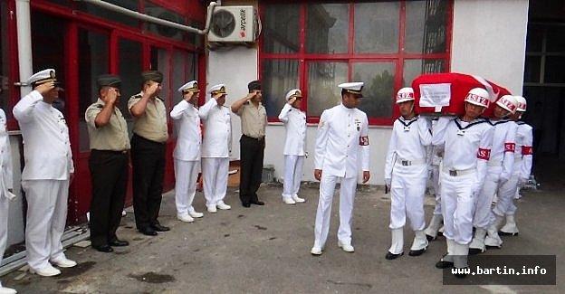 Denizde Kalp Krizi Geçiren Asker İçin Tören