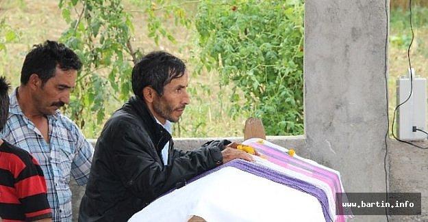 Göçükte Hayatını Kaybeden Madenci Toprağa Verildi