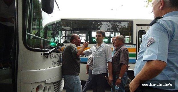 Halk Otobüsü Sürücüsüne Bıçaklı-sopalı Saldırı