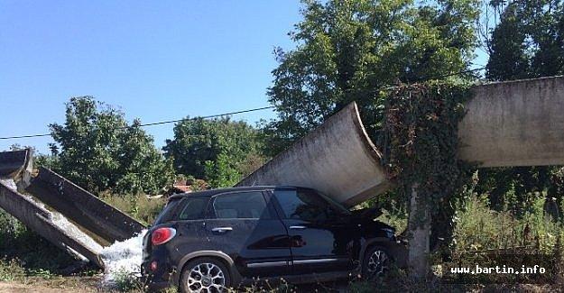 Su Kanaletine Çarpan Otomobilin Sürücüsü Öldü