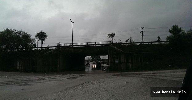 Yağmur Etkili Oluyor