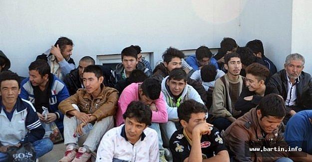 92 Afgan Mülteci Yakalandı