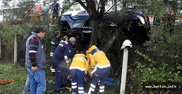 Bartın'da devrilen otomobilin sürücüsü yaralandı