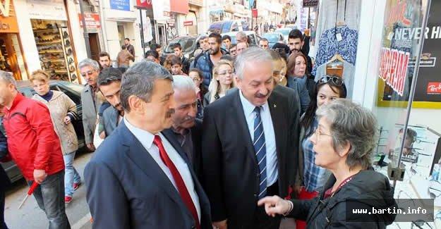 MHP'den Esnafa Bayram Ziyareti