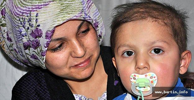 3 Yaşında, Kanserle Mücadele Ediyor