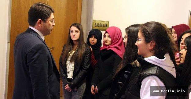 Tunç, Kız Meslek Lisesi Öğrencilerini Ağırladı