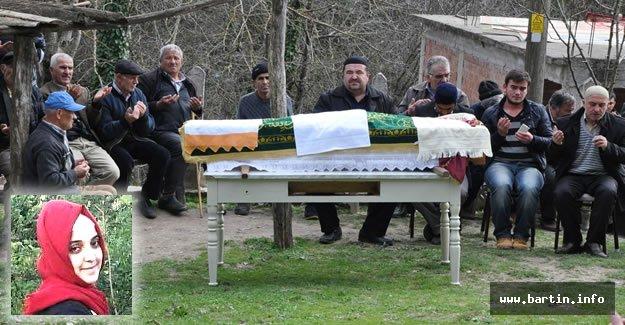 Kocası Tarafından Öldürülen Kadın Babaocağında Toprağa Verildi