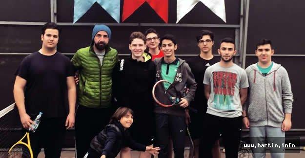 Bartın'da Okullararası Tenis Turnuvası Başladı