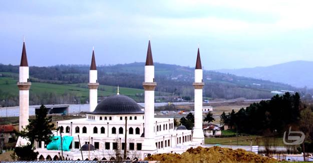 Fatih Sultan Mehmet Camii İnşaatı Devam Ediyor