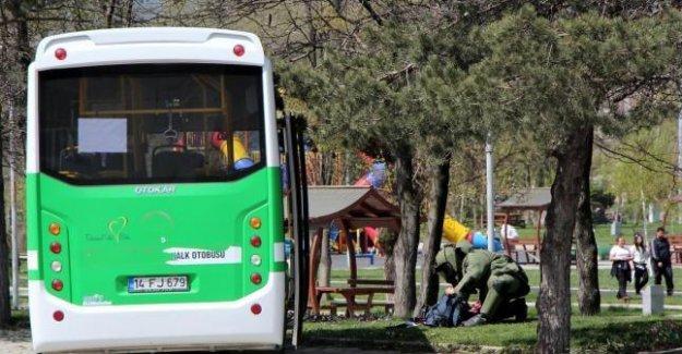 Halk otobüsünde bomba paniği