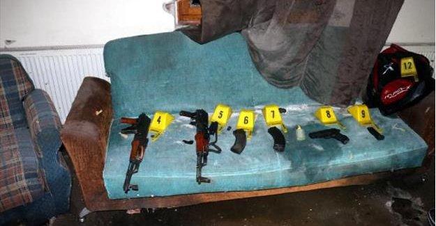 İşte Ölü ele geçirilen 2 teröristin silahları
