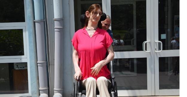 18 yaş altı dünyanın en uzun boylu kızı LYS'ye yatak üzerinde girdi