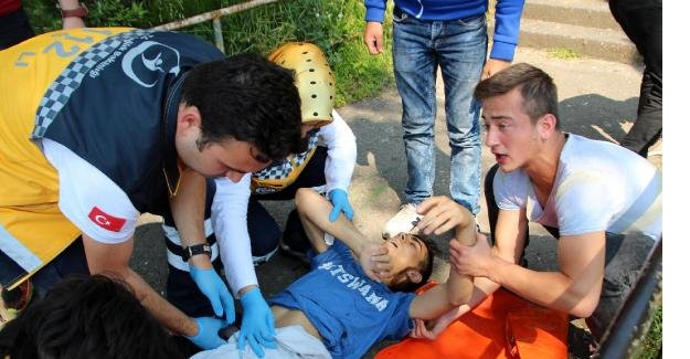 Bıçaklı kavgadan yaralı kurtuldu, kazada öldü