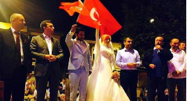 Düğünden demokrasi nöbetine