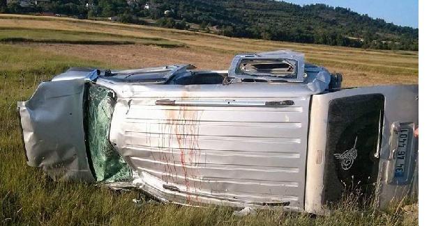 Otomobil takla attı: 2 ölü, 6 yaralı