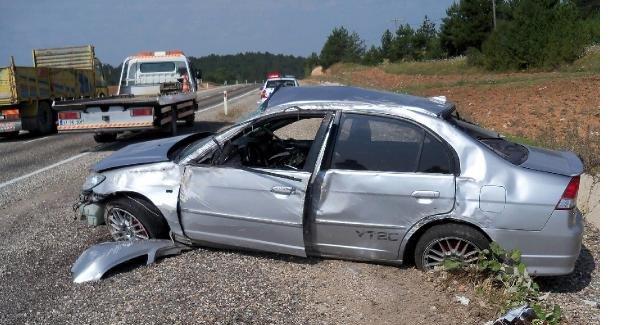 Tatil Yolunda Kaza: 4 yaralı