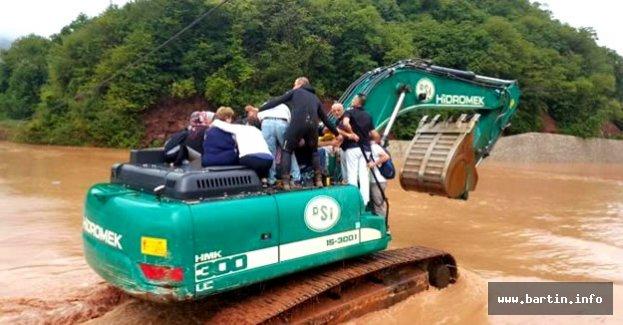 45 Yolcusuyla Mahsur Kalan Otobüse Ulaşıldı