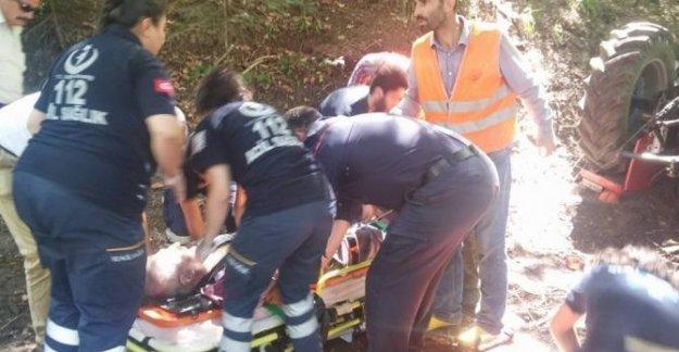Devrilen traktördeki orman işçisi öldü