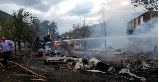 16 ev kül oldu: 1 ölü