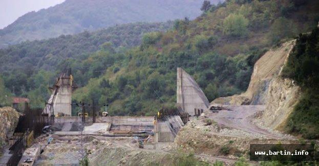 Kozcağız ve Kışla Barajı Hızla Devam Ediyor