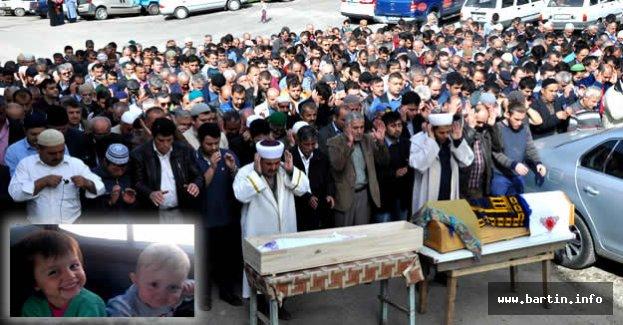 Yangında ölen 2 kardeş gözyaşlarıyla toprağa verildi