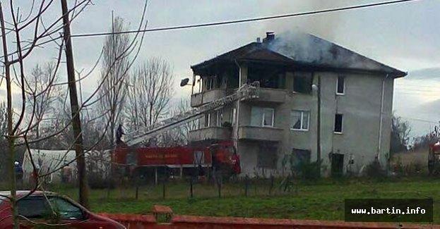 3 Katlı evde yangın
