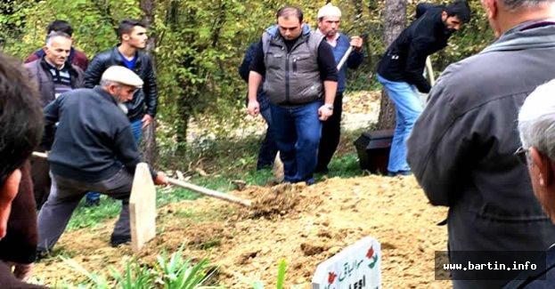Cenaze sırasında bir anda ortaya çıktı