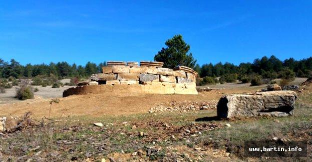 Paflagonya dönemine ait mezar odası bulundu