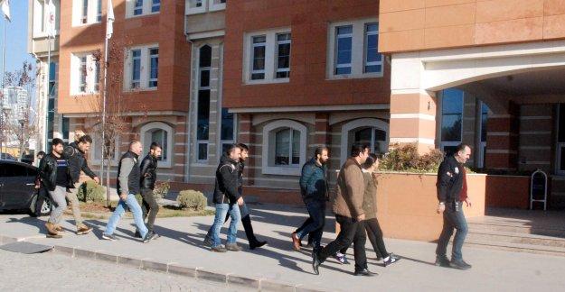 PKK'dan gözaltına alınan 7 üniversiteliden 3'ü tutuklandı