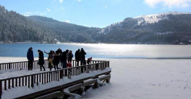 Abant'ta kar yoğunluğu