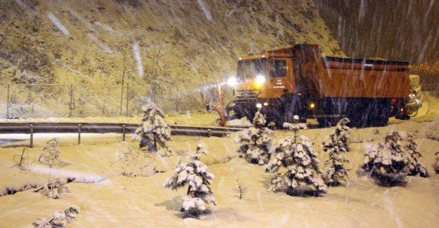 Kar ulaşımı olumsuz etkiledi