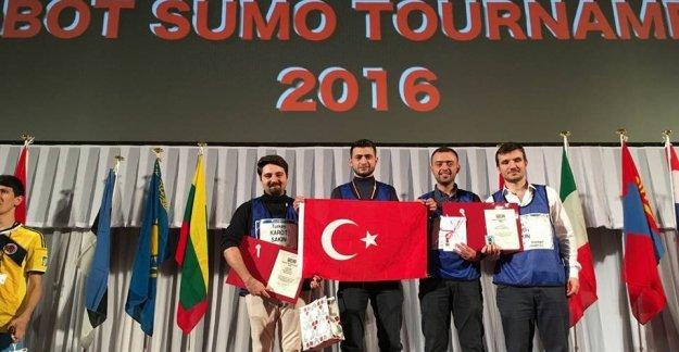 Robot Yarışmasında 2.Kez Dünya Şampiyonu Oldular