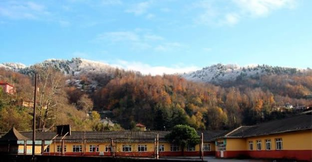 Sonbahar ve kış manzarası aynı karede