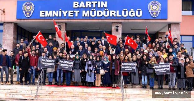 Üniversite Öğrencilerinden Polislere Taziye Ziyareti