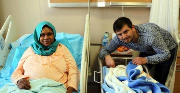 2017'nin ilk bebeği Gineli Amira'nın