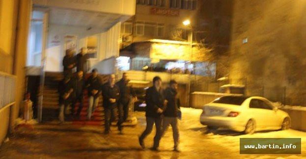 Bartın'da FETÖ Operasyonu: 5 Tutuklama