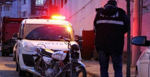 Çalıntı motosikletle gezerken yakalandılar