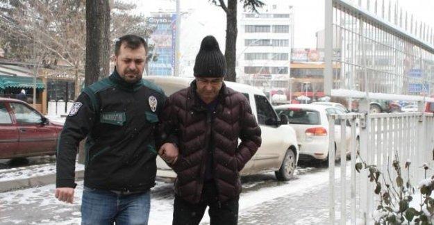 FETÖ'den aranan emniyet müdürü, otelde yakalandı