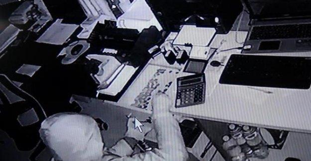İş yerindeki hırsızlık güvenlik kamerasında