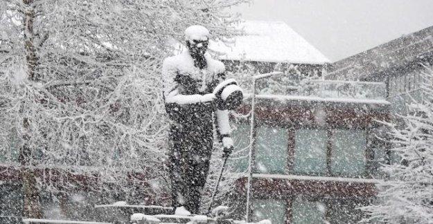 Kar yaşamı etkiledi