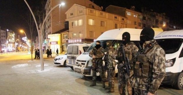 Polis Özel Harekatlı asayiş uygulaması